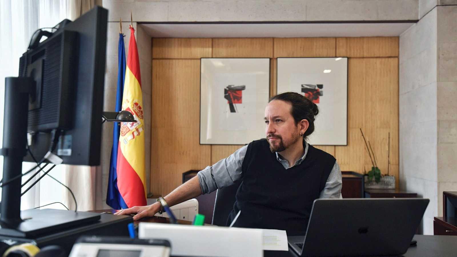 """Iglesias considera """"inaceptable"""" la vacunación de las hermanas del rey"""