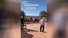 """Los """"abuelos tiktokers"""" de una residencia española se convierten en estrellas en las redes"""
