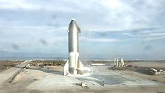 La explosión del tercer prototipo de 'SpaceX' tras lograr su primer aterrizaje