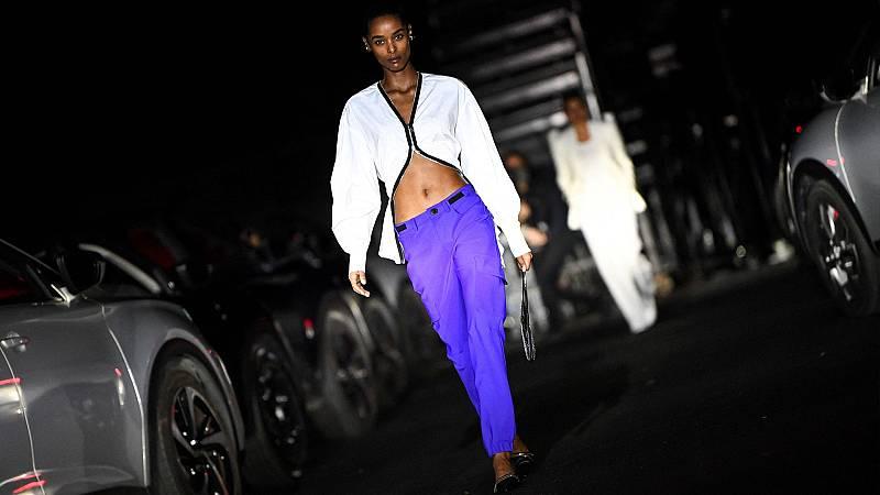 Arranca una atípica semana de la moda en París, marcada por la pandemia y los diseños sociales
