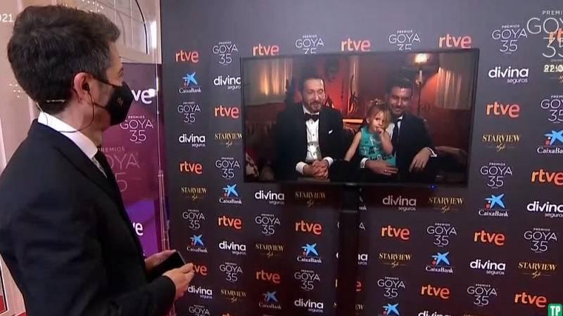 """El director Salvador Calvo celebra los Goya desde casa: """"Estar en familia es una ayuda y un apoyo"""""""