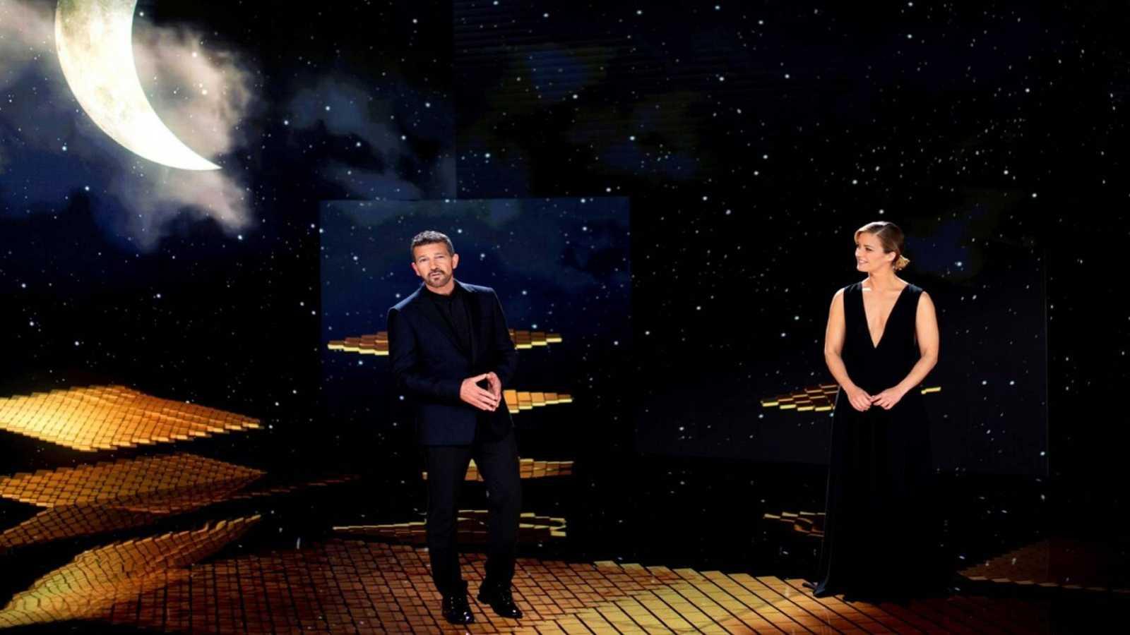 Antonio Banderas y María Casado despiden la gala de los Goya 2021