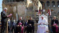 El papa rinde homenaje en Mosul a las víctimas de la guerra