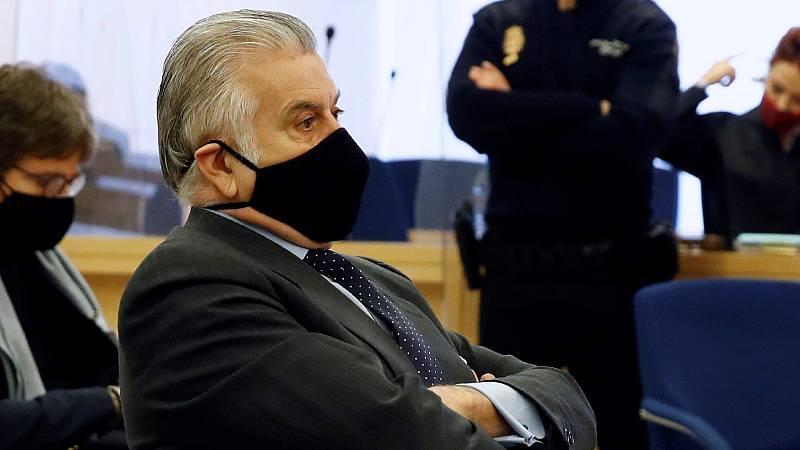 Bárcenas declara que el PP le ofreció 500.000 euros por alterar sus papeles y que Rajoy recibió sobresueldos