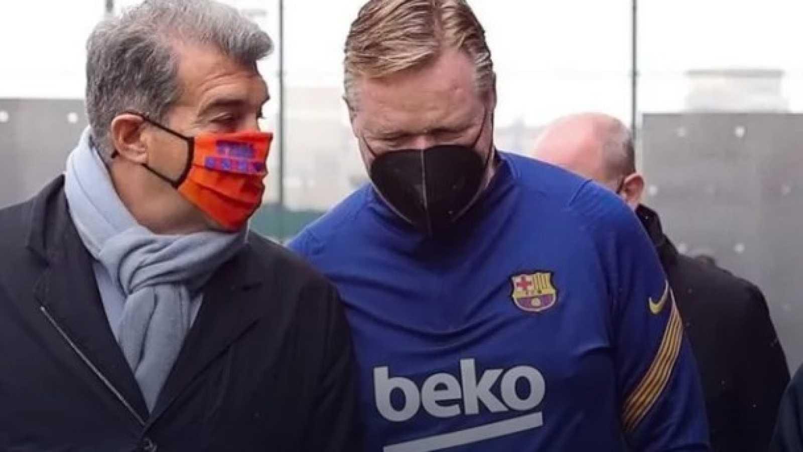 Laporta visita a los primeros equipos del Barça y saluda a Pau Gasol