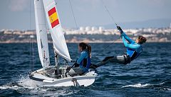 Silvia Mas y Patricia Cantero siguen líderes del Mundial de 470