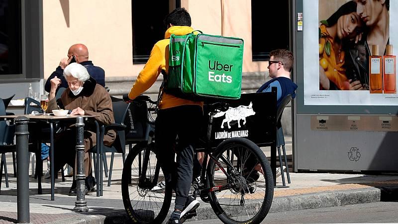 La Ley de los 'riders' dará cobertura a los repartidores que trabajen para plataformas digitales