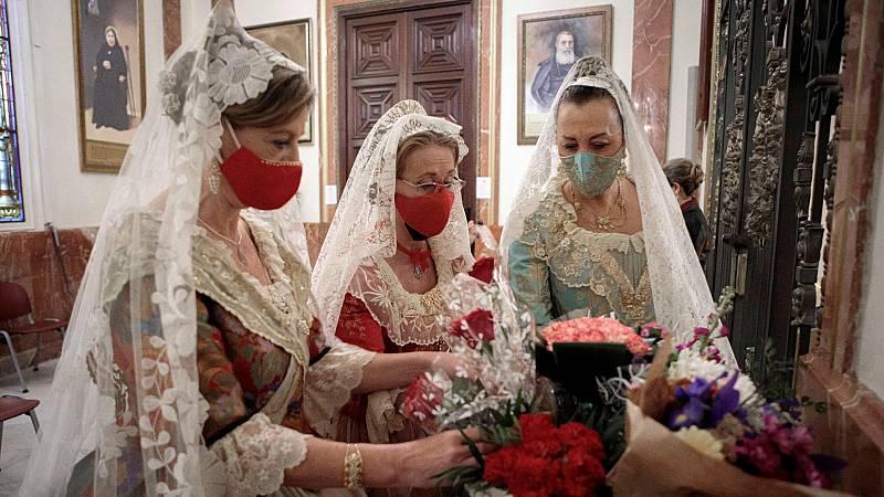 La pandemia deja un nuevo año sin fiestas ni tradiciones en las calles españolas