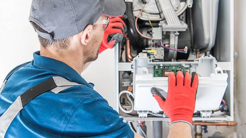 """Europa garantiza el """"Derecho a reparar"""" electrodomésticos al menos diez años"""