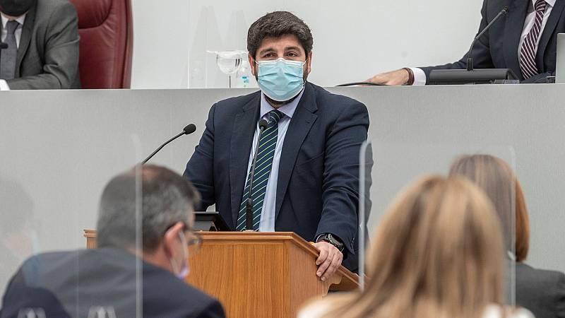 La Asamblea de Murcia rechaza la moción de censura del PSOE y Cs contra el 'popular' López Miras