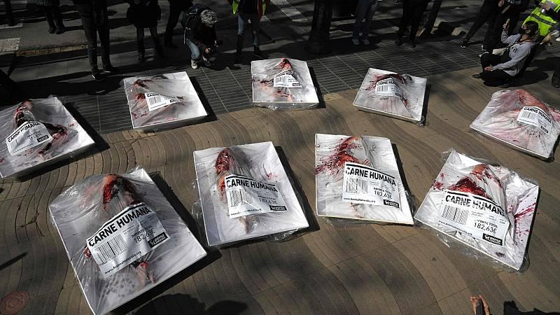 Animalistas protestan en Barcelona contra el consumo carne