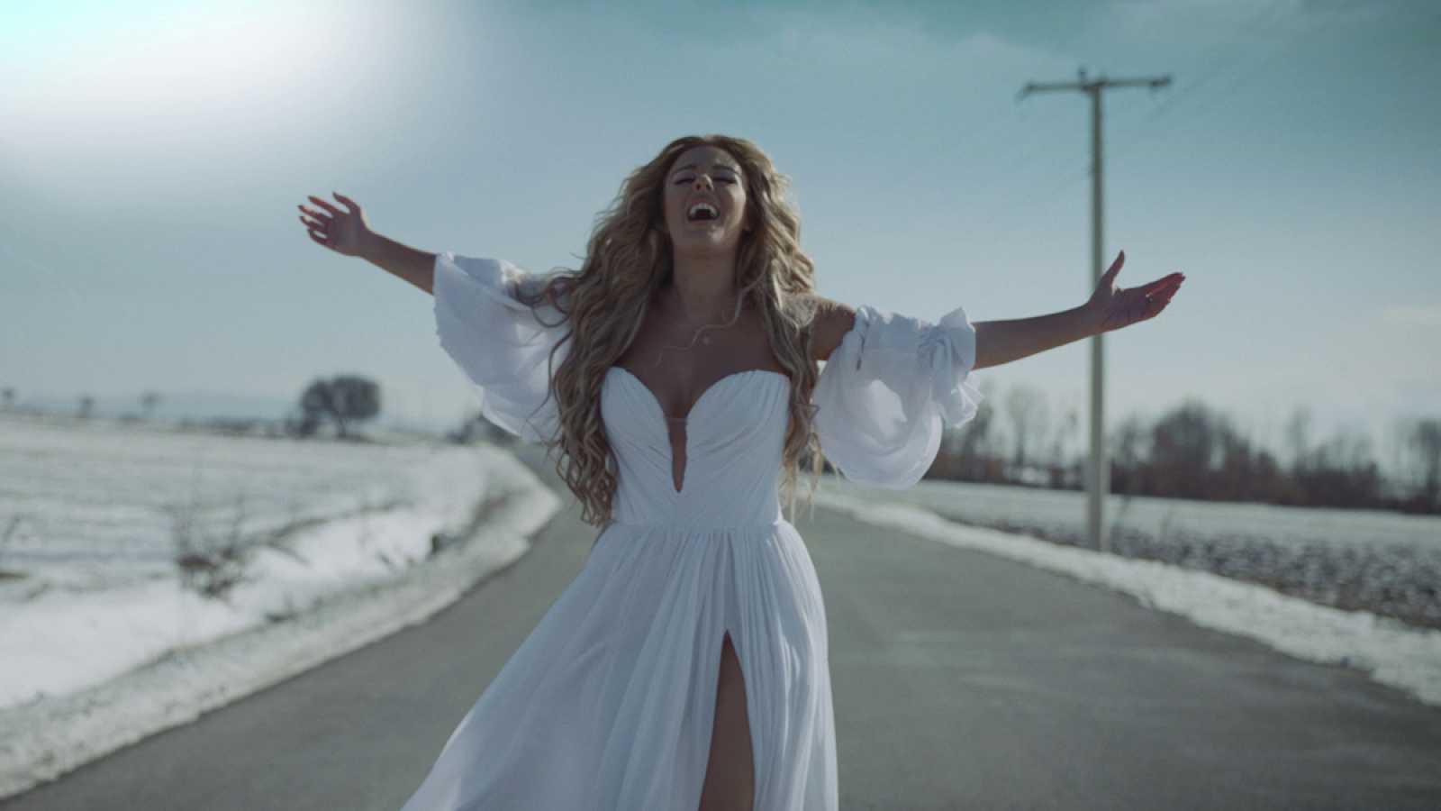 """Eurovisión 2021 - Anxhela Peristeri, de Albania - """"Karma"""" (Videoclip oficial)"""