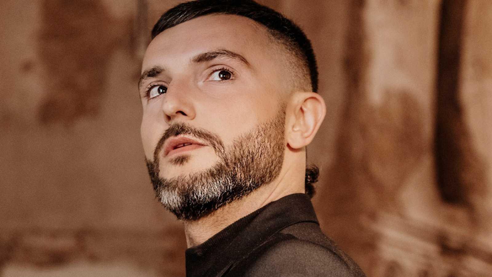 "Eurovisión 2021 - Vasil, de Macedonia del Norte: ""Here I stand"" (Videoclip oficial)"
