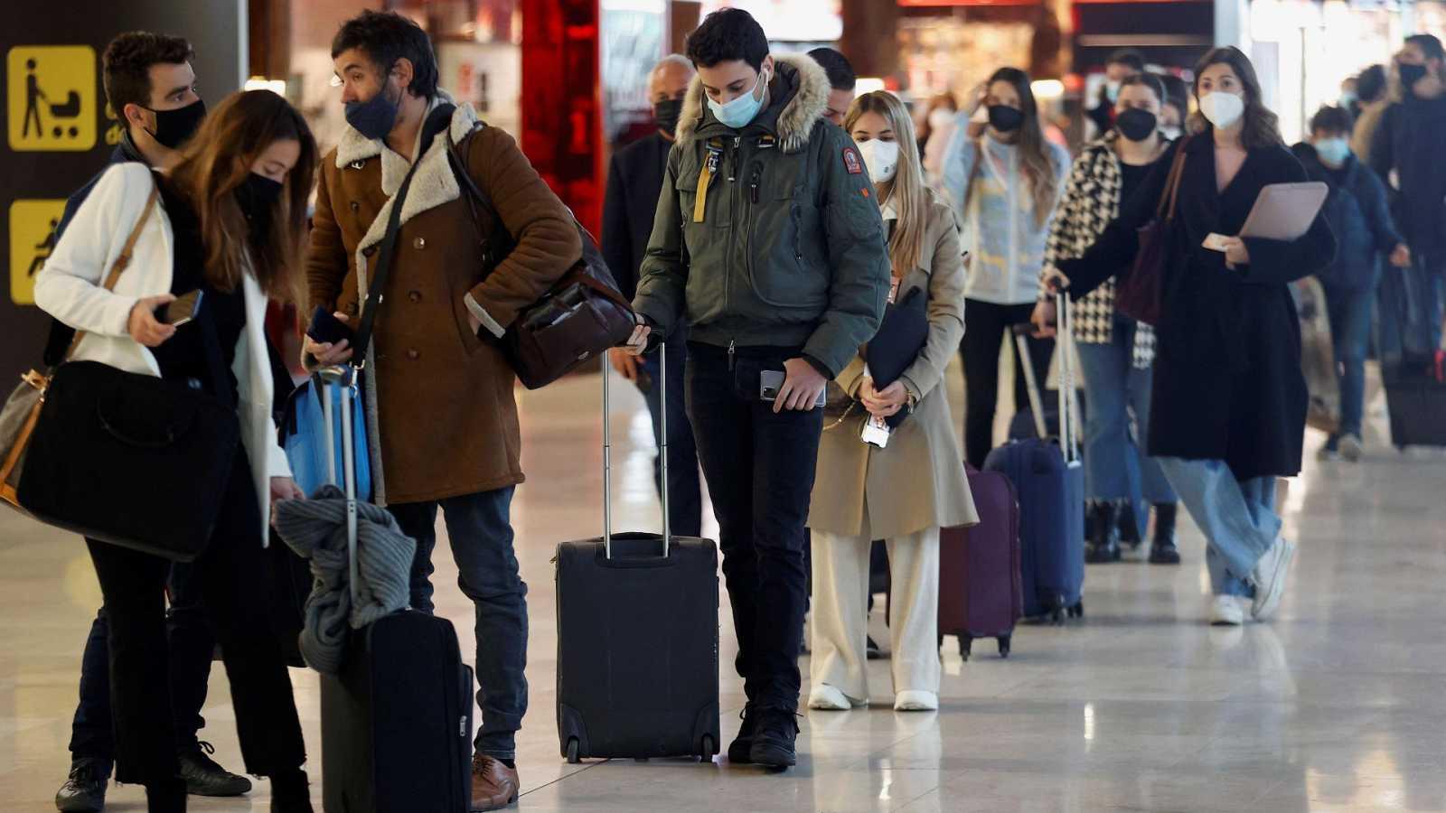 Polémica por la limitación de movilidad en Semana Santa mientras llegan turistas extranjeros