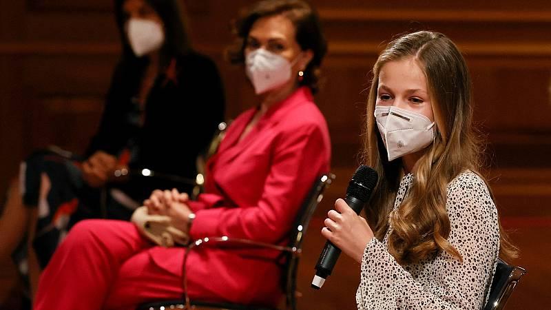 Leonor elogia la biblioteca virtual del Instituto Cervantes y se interesa por cómo ha afectado la pandemia a sus trabajadores