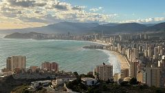 Crónicas - Benidorm, the show must go on