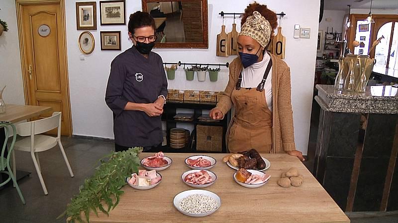 Pencas de cardo para el cocido de Chulilla: prepraramos la olla churra
