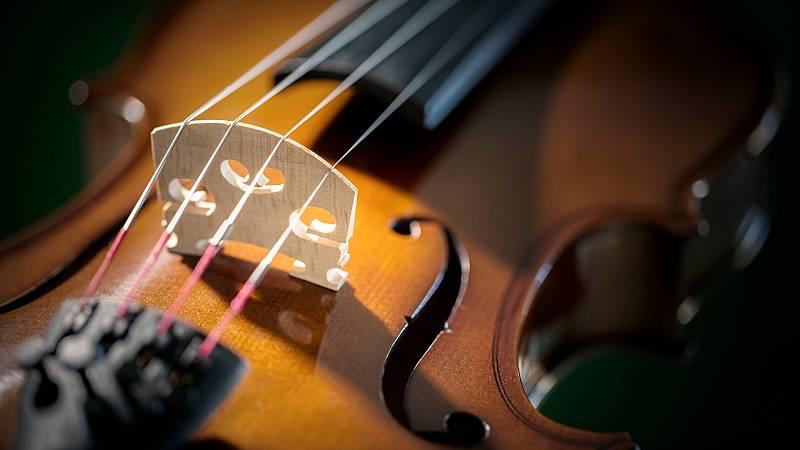 La Guardia Urbana de Barcelona recupera un violín de 200.000 euros usado en bandas sonoras como 'Casablanca'
