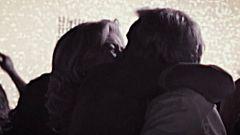 Cuéntame cómo pasó - El beso de reconciliación de Antonio y Merche