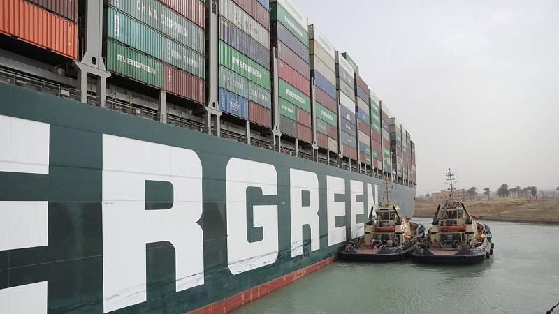 ¿Qué pasa en el Canal de Suez?