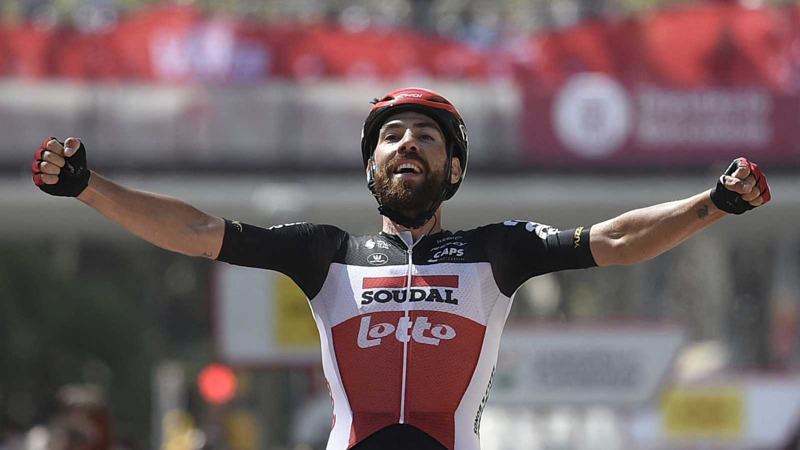 De Gendt gana en Barcelona y Yates conquista la Volta