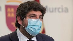 """López Miras cumplirá parte del """"acuerdo programático"""" de los exdiputados de Vox y no descarta que entren en su Gobierno"""