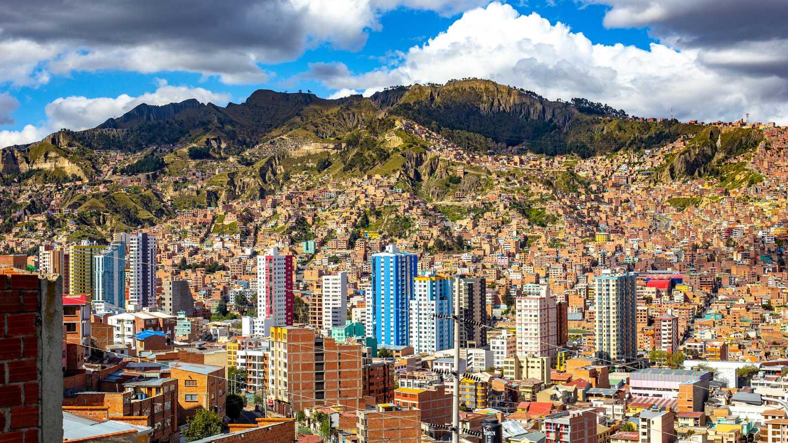 Bienvenidos a mi extraña ciudad - Episodio 4: La Paz - ver ahora