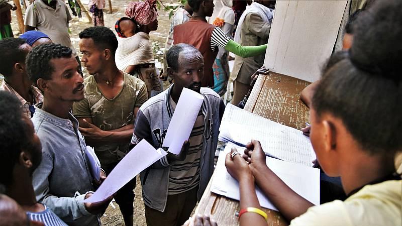 Miles de desplazados llegan a ciudades de Tigray para huir de la inseguridad