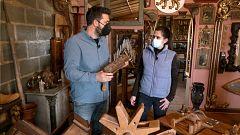Aquí la Tierra - Los artesanos de la madera preparan las carracas de Semana Santa