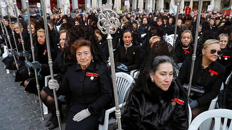 Un grupo de diseñadores andaluces quieren popularizar el uso de la mantilla