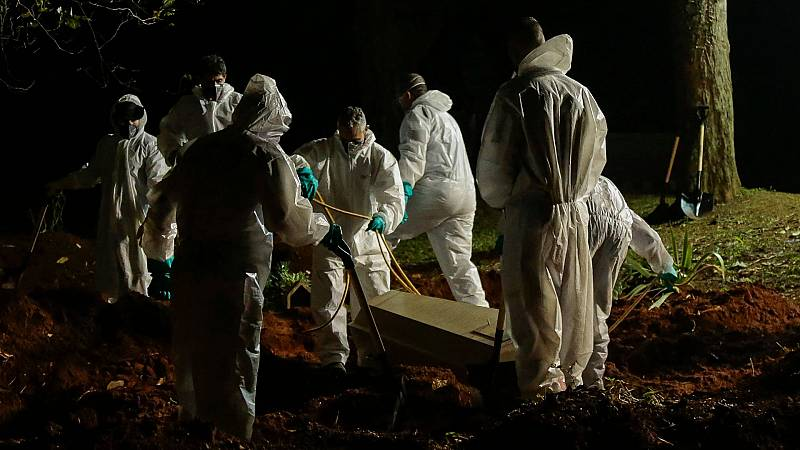La pandemia colapsa Brasil, que cierra marzo con el doble de muertos que en febrero