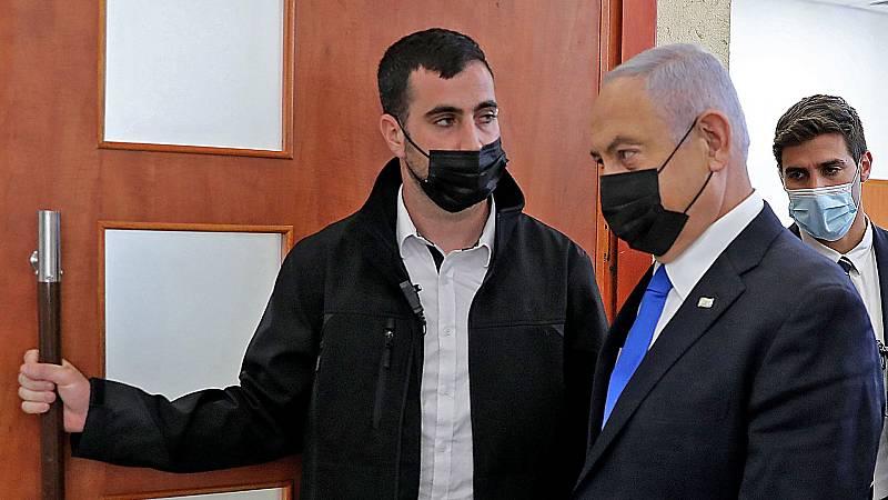 Se reanuda el juicio contra Netanyahu por corrupción, mientras el presidente inicia consultas para formar una coalición