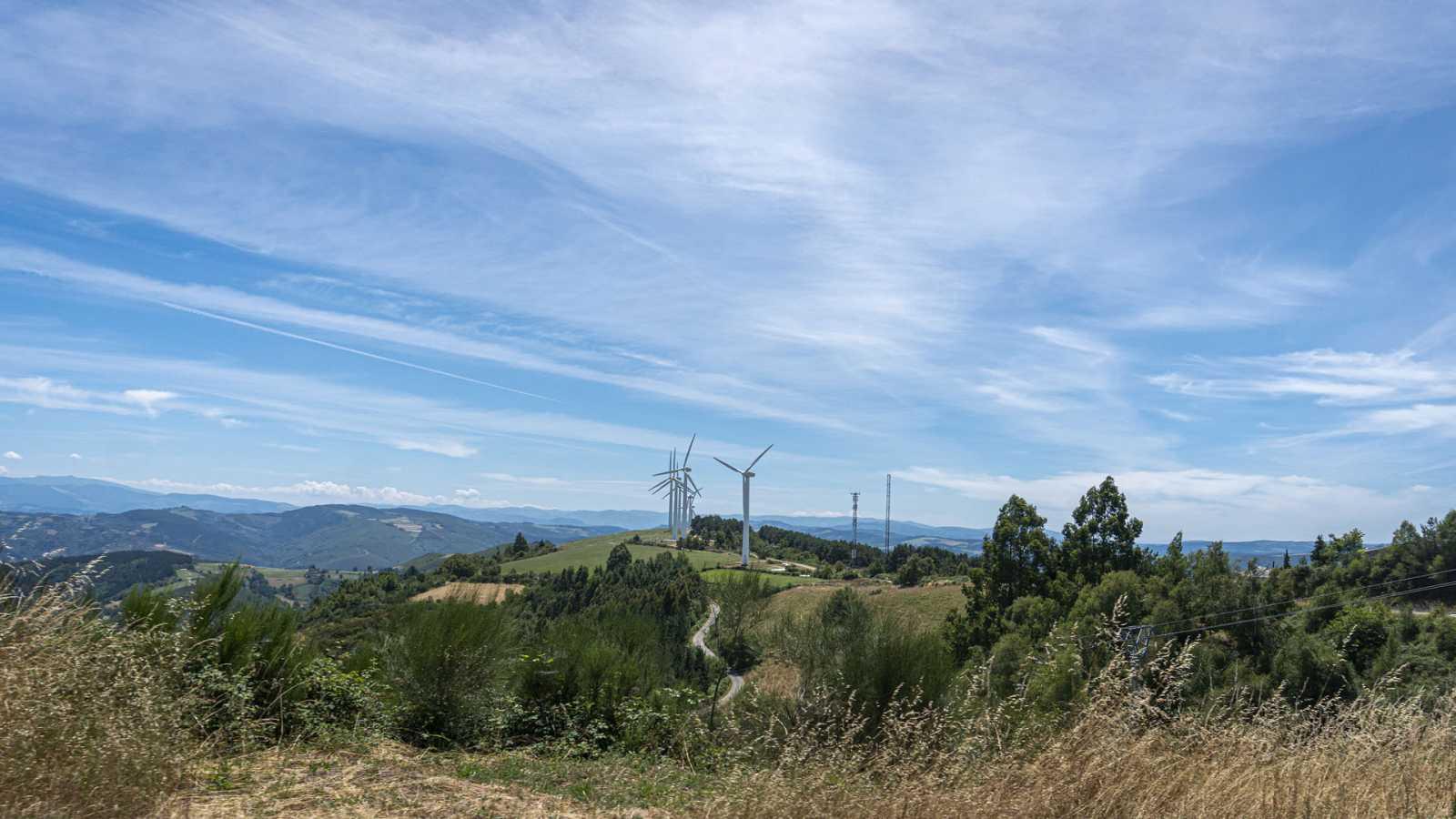 Intervalos de viento fuerte en zonas del nordeste peninsular, Menorca y litoral norte de Galicia - Ver ahora