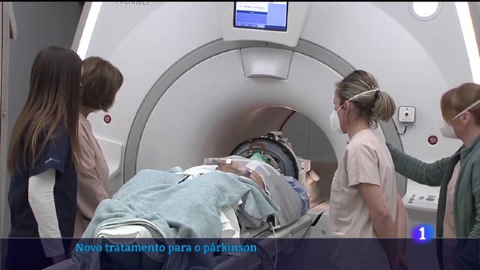 O CHUS trata o tremor do párkinson cunha técnica nova na sanidade pública