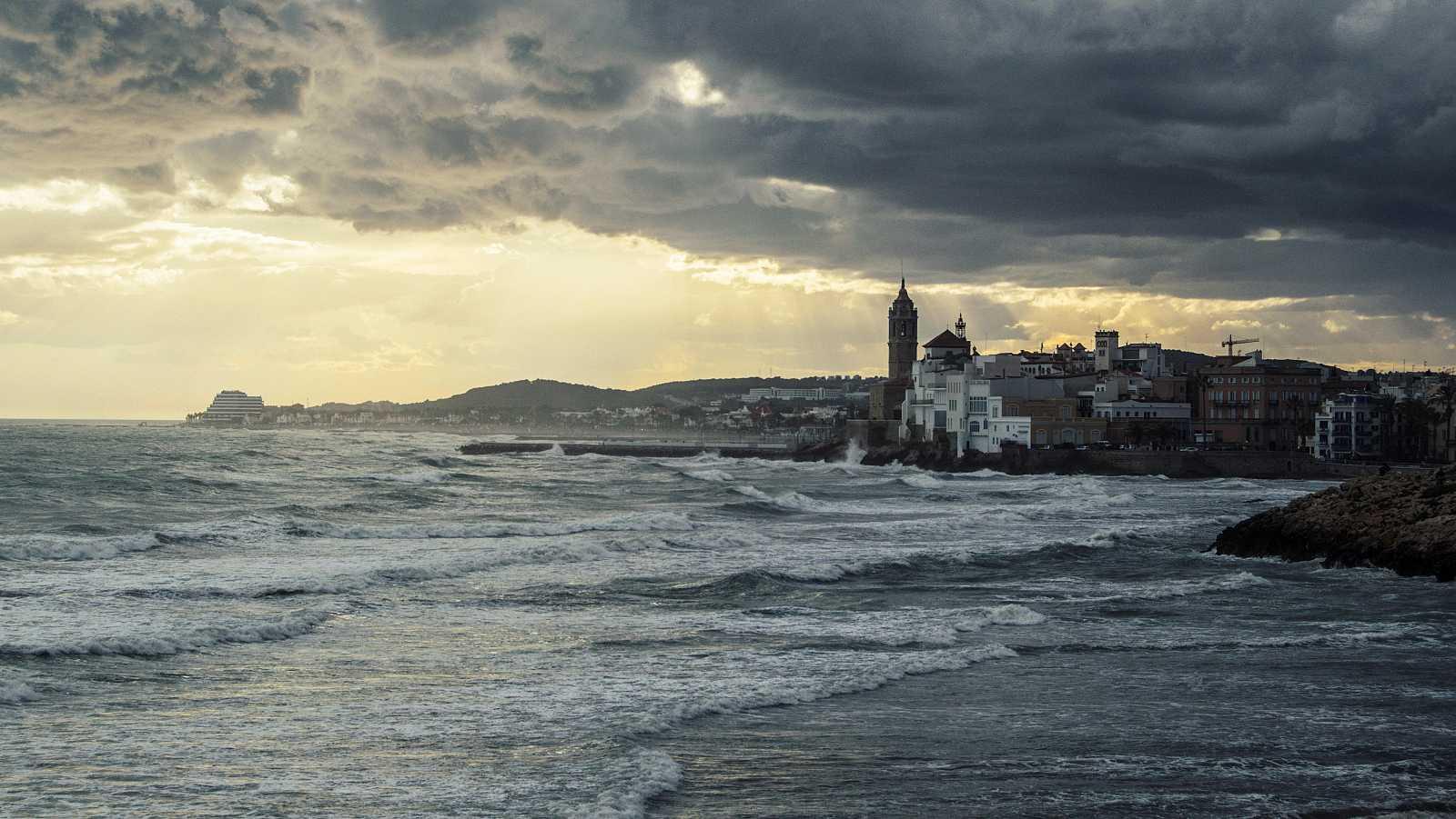 Probabilidad de chubascos y tormentas localmente fuertes - Ver ahora
