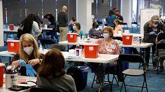 Estados Unidos extiende la vacunación de la COVID-19 a los mayores de 16 años