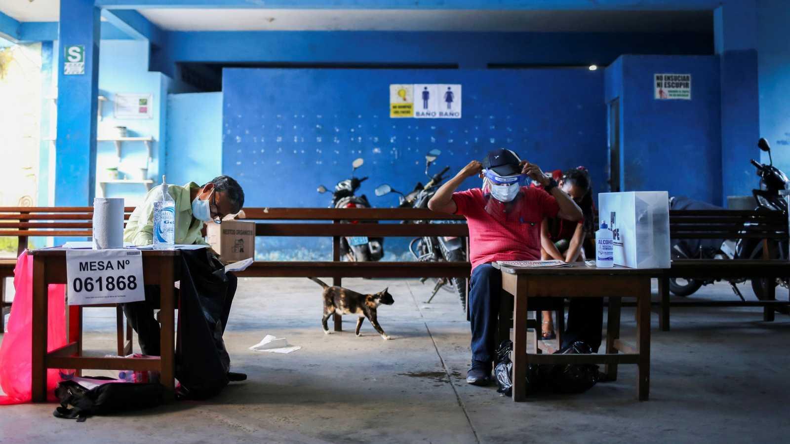 Castillo y Fujimori, los dos candidatos con más opciones para ir a la segunda vuelta en Perú
