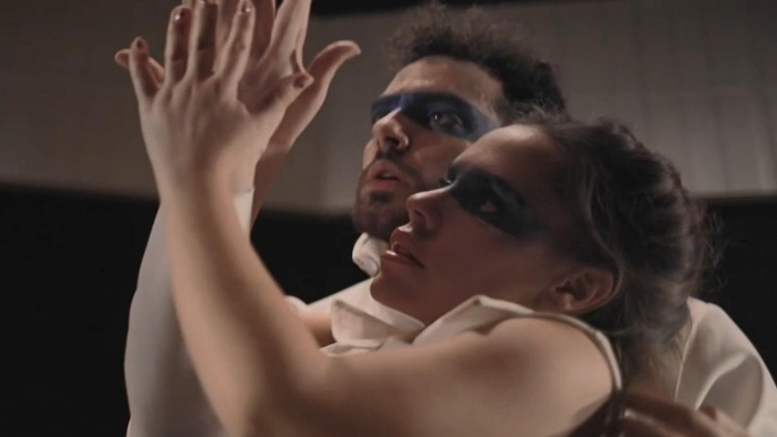 En Lengua de Signos - La sexualidad y la diversidad a escena - ver ahora