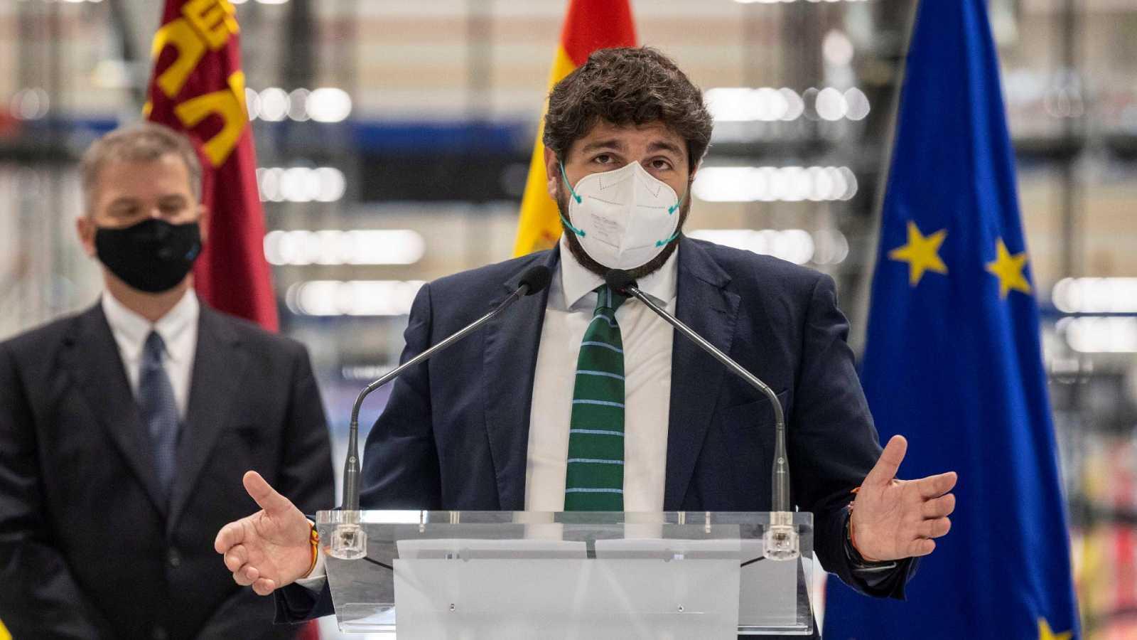 El PSOE denuncia por cohecho a López Miras y los exdiputados de Cs que hicieron fracasar la moción en Murcia
