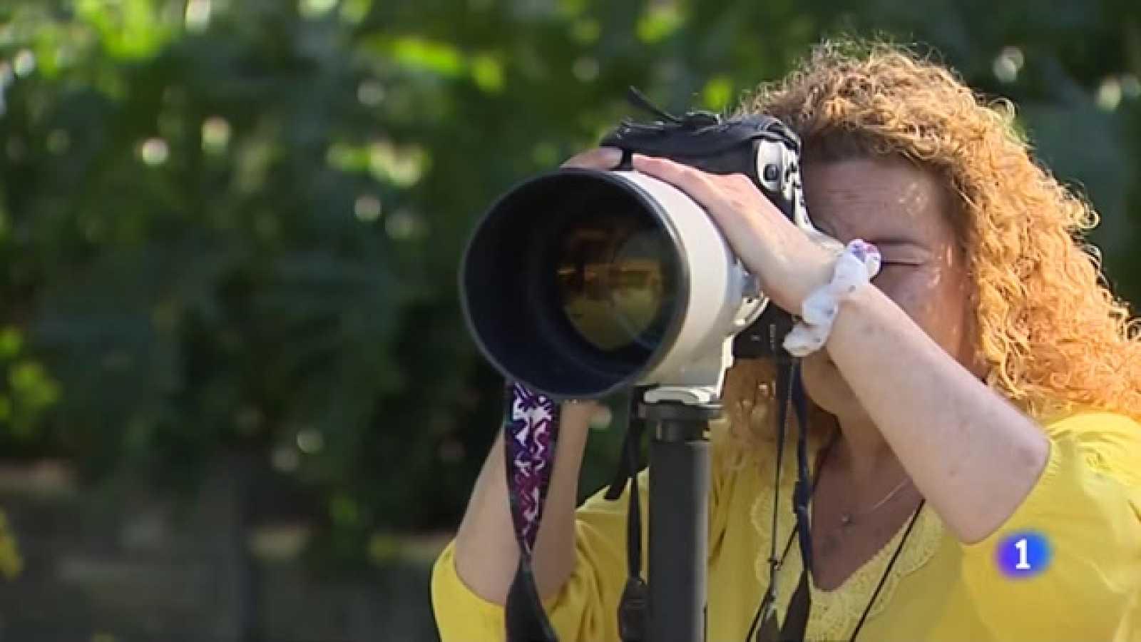 Primera mujer fotoperiodista de la agencia EFE