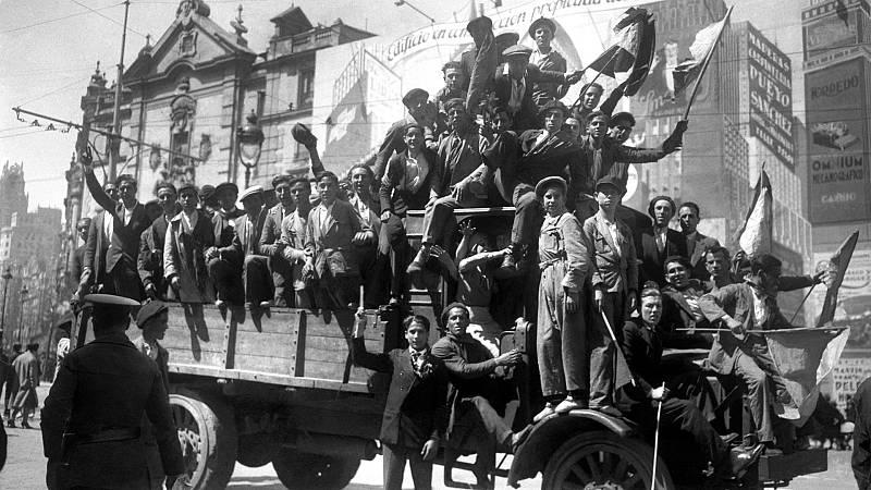 """Julián Casanova, historiador: """"No conceder los logros de la Segunda República es un flaco favor a la base democrática"""""""