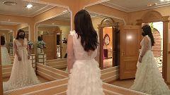"""""""Un dineral colgado en perchas"""". Así está el sector de los vestidos de novia"""