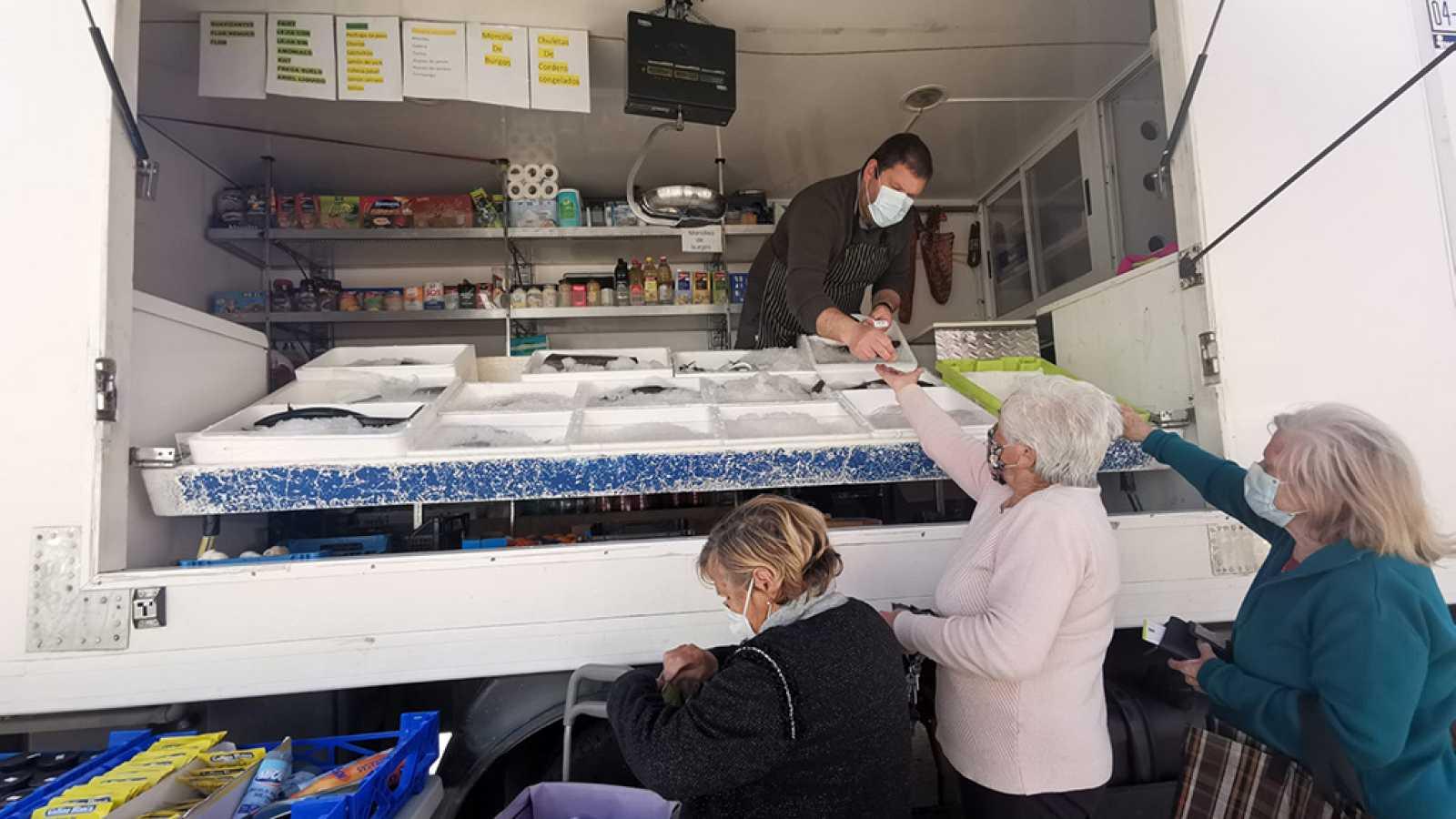 España Directo - Atlas de lo pequeño: esta es la historia de una pescadería ambulante