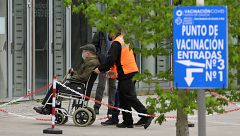Las autoridades piden no acudir a los centros de vacunación sin cita médica