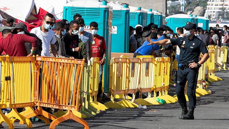 Un juez da la razún a un inmigrante al que se le negó la mobilidad en Canarias aunque tenía billete