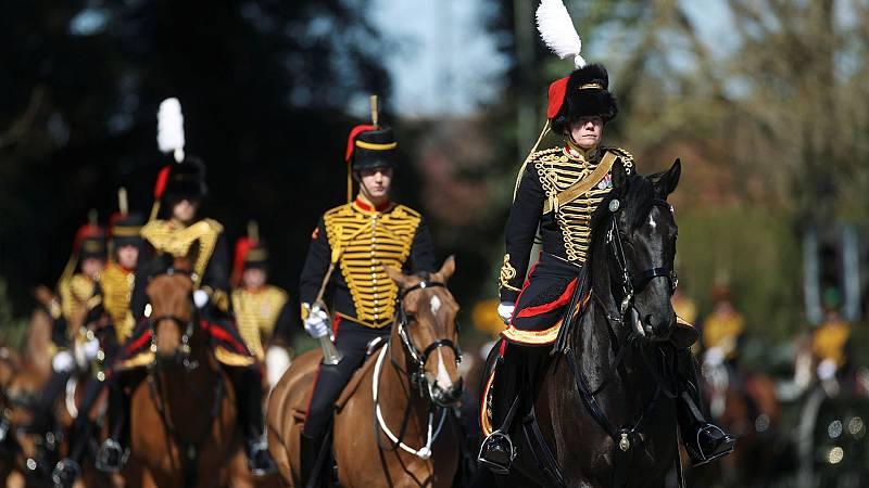 La familia real británica despide al duque de Edimburgo
