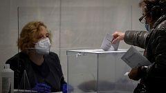 Unas elecciones para dos años, votación por franjas horarias y jornada laborable: así será el 4M en Madrid