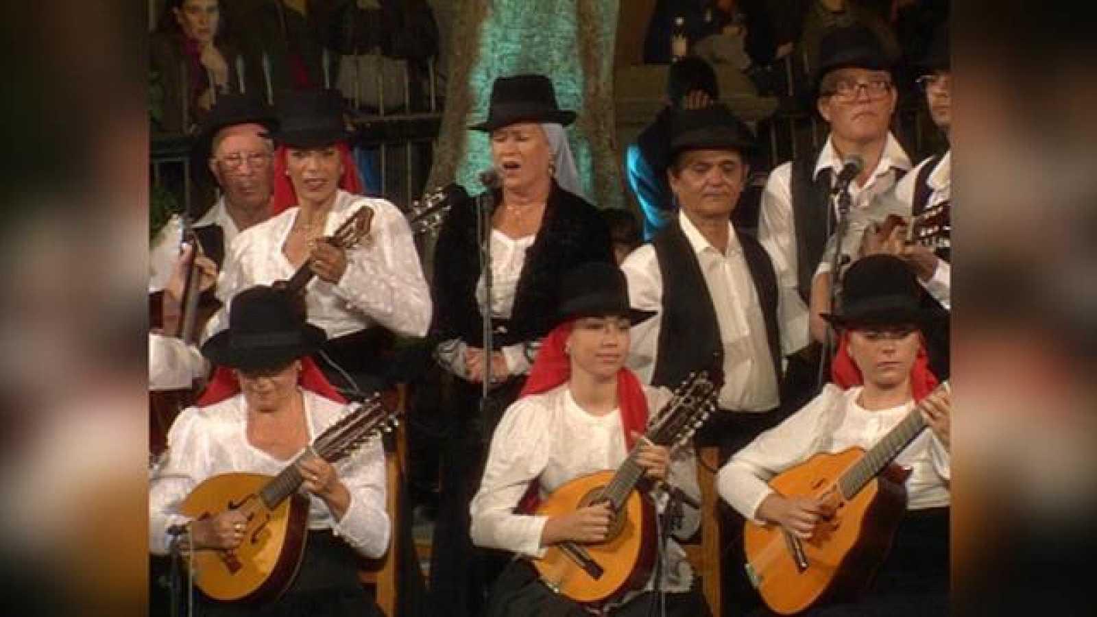 Tenderete - 18/04/2021 con A.F. Los Cebolleros, A.F. Echentive, Non Trubada y Parranda del Millo con solistas (2002)