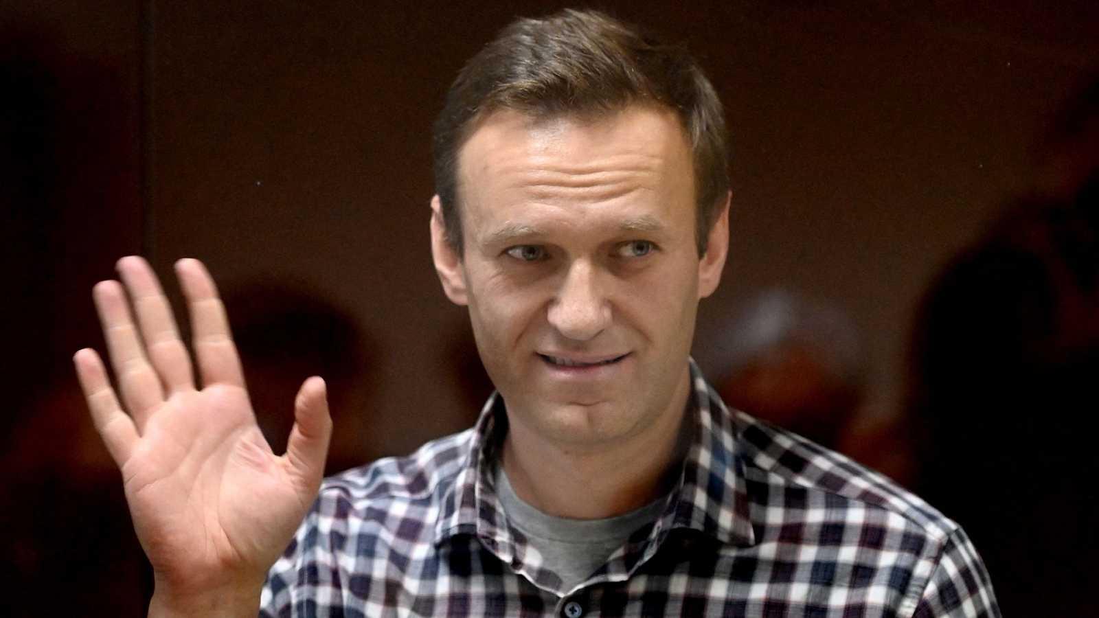 Deciden trasladar al opositor ruso Alexéi Navalny a un hospital para reclusos
