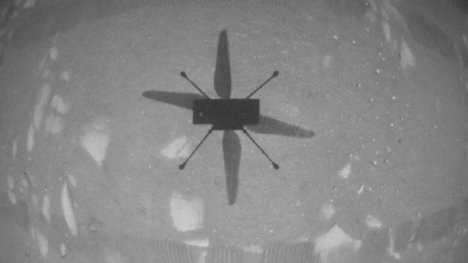 El helicóptero Ingenuity de la NASA hace historia al volar, por primera vez, en Marte
